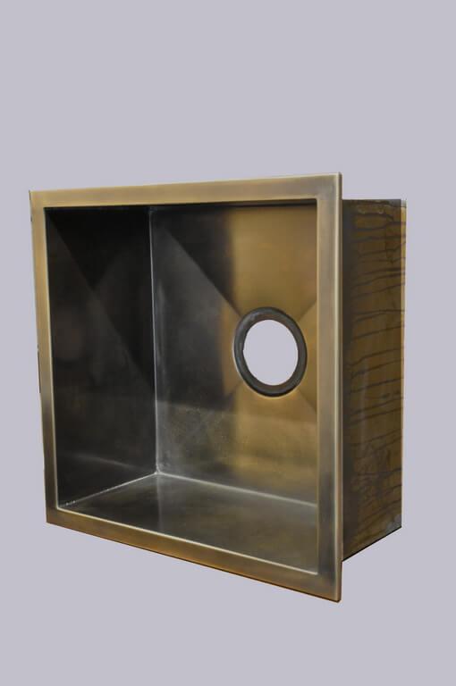 Undermount Kitchen Sink In Stainless Steel Material Bronze Finish