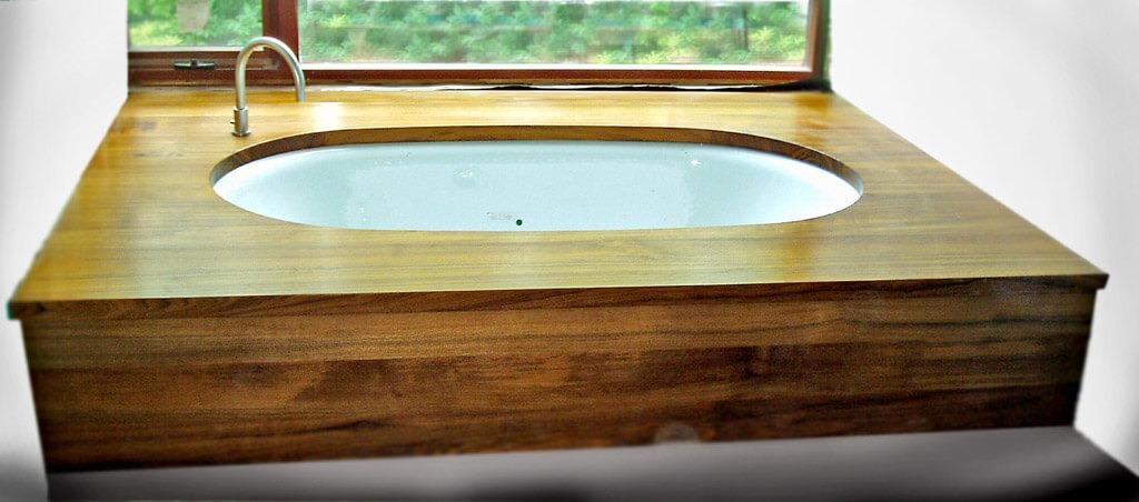 Premium Wide Plank Teak Wide Plank Bathtub Surround With Waterproof Marine  Oil Finish